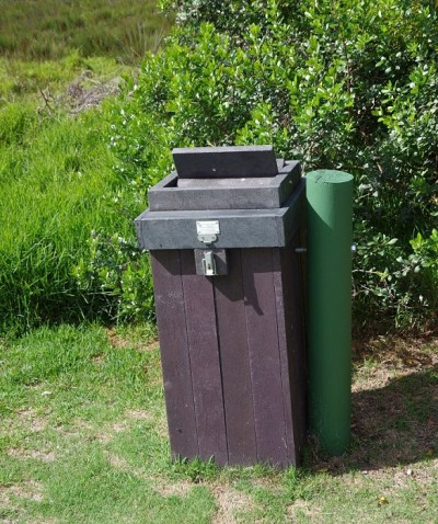 Affensicherer Müllbehälter