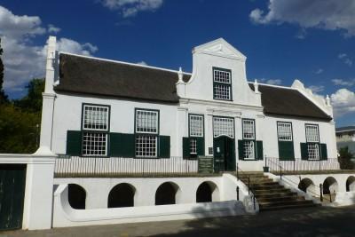 Das Reinet Haus ist das bedeutendste Nationalmuseum des Ortes, es gibt einen interessanten Einblick in das Leben während der Pionierzeit in Südafrika