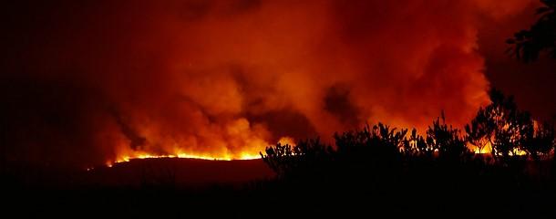 die Flammen rücken aber bedrohlich näher