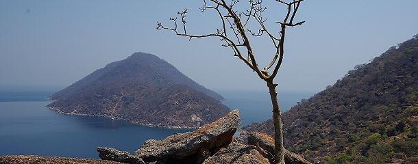 schönste Aussichten hoch über dem Malawisee