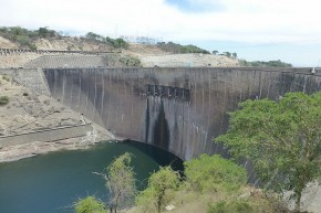 Imposant - die Staumauer am Kariba-See...