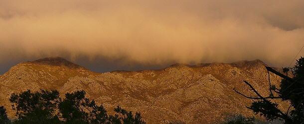 Eine Wolkenwalze über dem Tafelberg