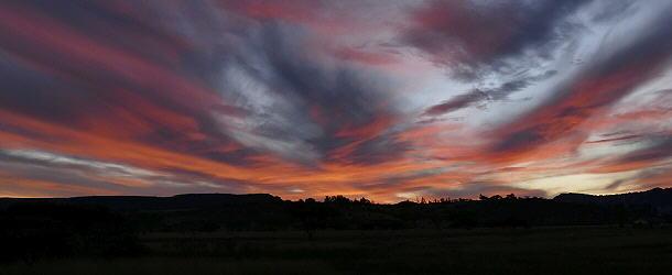bezaubernde Stimmung zum Sonnenuntergang am Albert Falls Dam