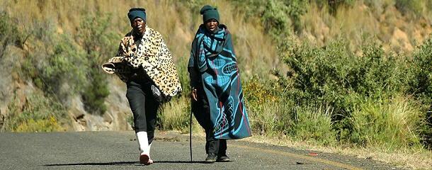 Die traditionellen Decken aus Merinowolle halten die Kälte fern.