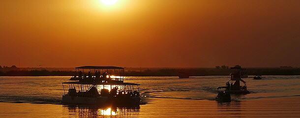 Sundowner-Foto auf dem Chobe River