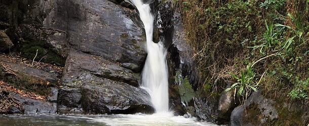 Der Mkuzhi-Wasserfall
