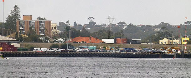 Ein verstohlener Blick in den Hafen