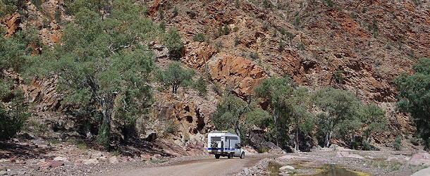 Die Fahrt durch den Ikara-Flinders Nationalpark ist ein landschaftlicher Hochgenuss