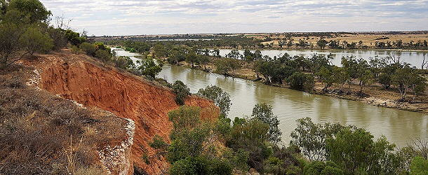 die orangenen Felswände am Murray River