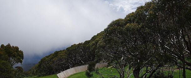 Der Wetterwechsel am Mount Baw Baw kündigt sich bedrohlich an, für Schnee reicht es allerding nicht.