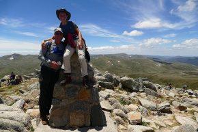 ... und schon bald stehen wir auf dem Gipfel des Mount Kosciuszko.