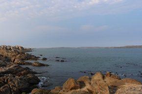 ... mit einem super Ausblick, aber bei kühlem Wetter wurden wir in Lüderitz willkommen geheißen.