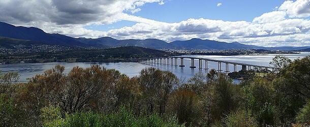 Diese Brücke in Hobart stürzte im Januar 1975 ein
