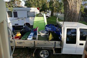 Kuscheliges Beieinanderstehen auf einem ganz normalen Campingplatz irgendwo in Australien...