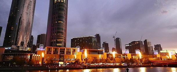 An Melbournes Waterfront gibt es allabendlich ein flammendes Spektakel