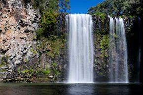 Immer wieder liegen mächtige Wasserfälle am Wegrand, hier der Danguar Wasserfall bei Dorrigo.