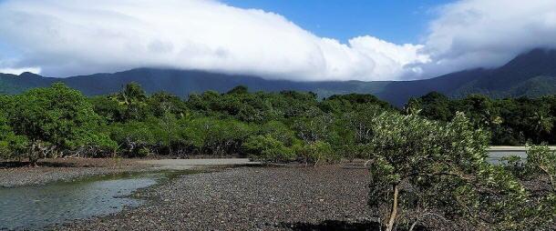 Schön, dass die hohen Berge die Regenwolken fernhalten