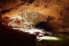 Etwas Abenteuer verspricht die Wanderung entlang des Tunnel Creek.