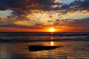 Während an der Westküste von Broome fast täglich ein schöner Sonnenuntergang zu beobachten ist...